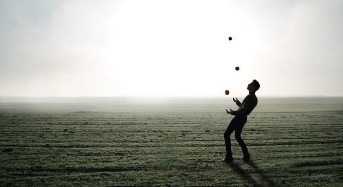 juggler-1216853_1280