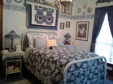 Heart's Desire B&B - Blue Willow Room